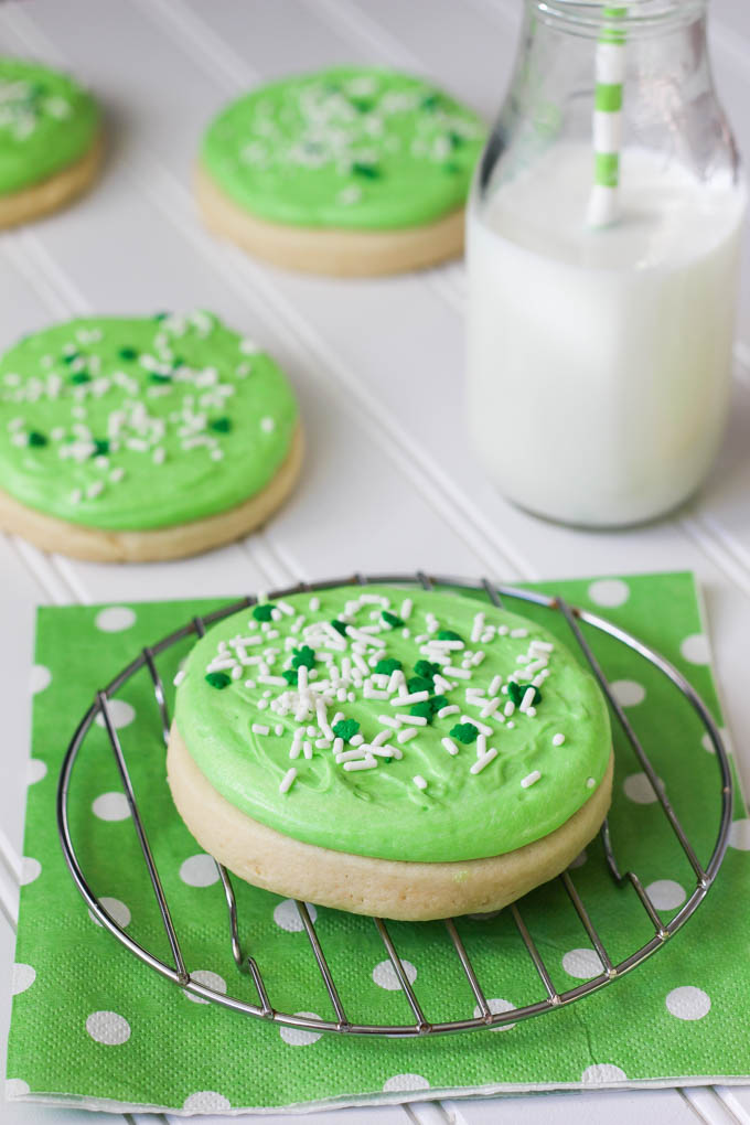 Heavenly Sugar Cookies (Lofthouse Style)