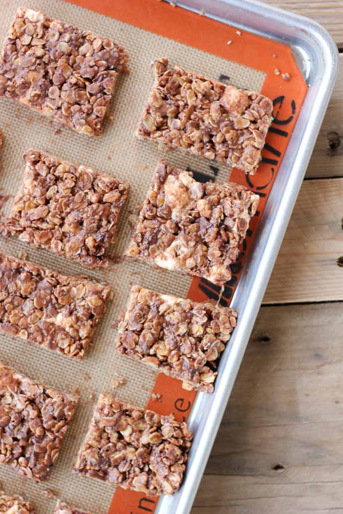 No Bake Chocolate Oat Crispy Bars-4