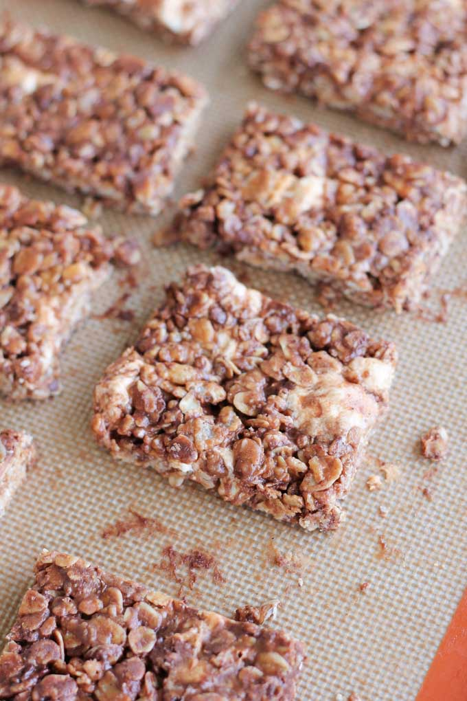 No Bake Chocolate Oat Crispy Bars-5