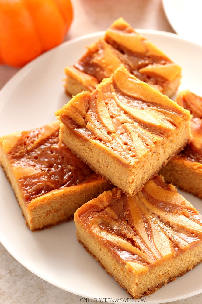 caramel-swirl-pumpkin-cheesecake-bars-2