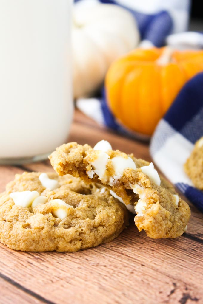 chewy-pumpkin-oatmeal-white-chocolate-cookies-6