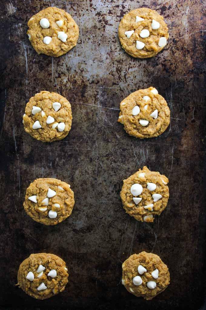 chewy-pumpkin-oatmeal-white-chocolate-cookies