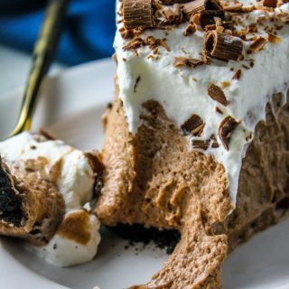 No Bake Chocolate Mousse Pie
